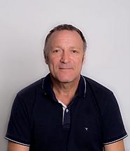 Roberto bianchi, director de anglo centres y bateria de los 8balls y preparador de examenes oficiales de cambridge.