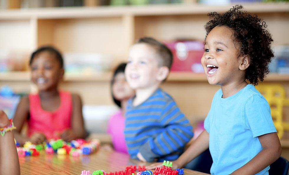 cursos de inglés en tarragona para niños a partir de 4 años. Aprenden inglés, programación y robótica.