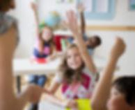 Los alumnos de primaria en anglo centres tarragona aprenden inglés a través de juegos, robots y programación de  videojuegos