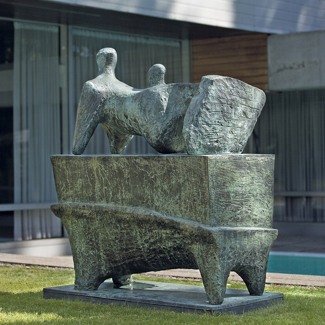 Henry Moore: Reclining Figure on pedestal, 1965. Kuva / foto / photo: Rauno Träskelin