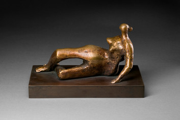 Henry Moore: Reclining figure: Distorted