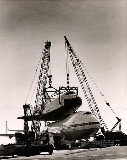 nasa space shuttle and crawler crane