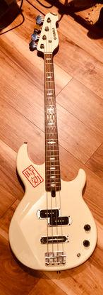 Yamaha BB414 Bass