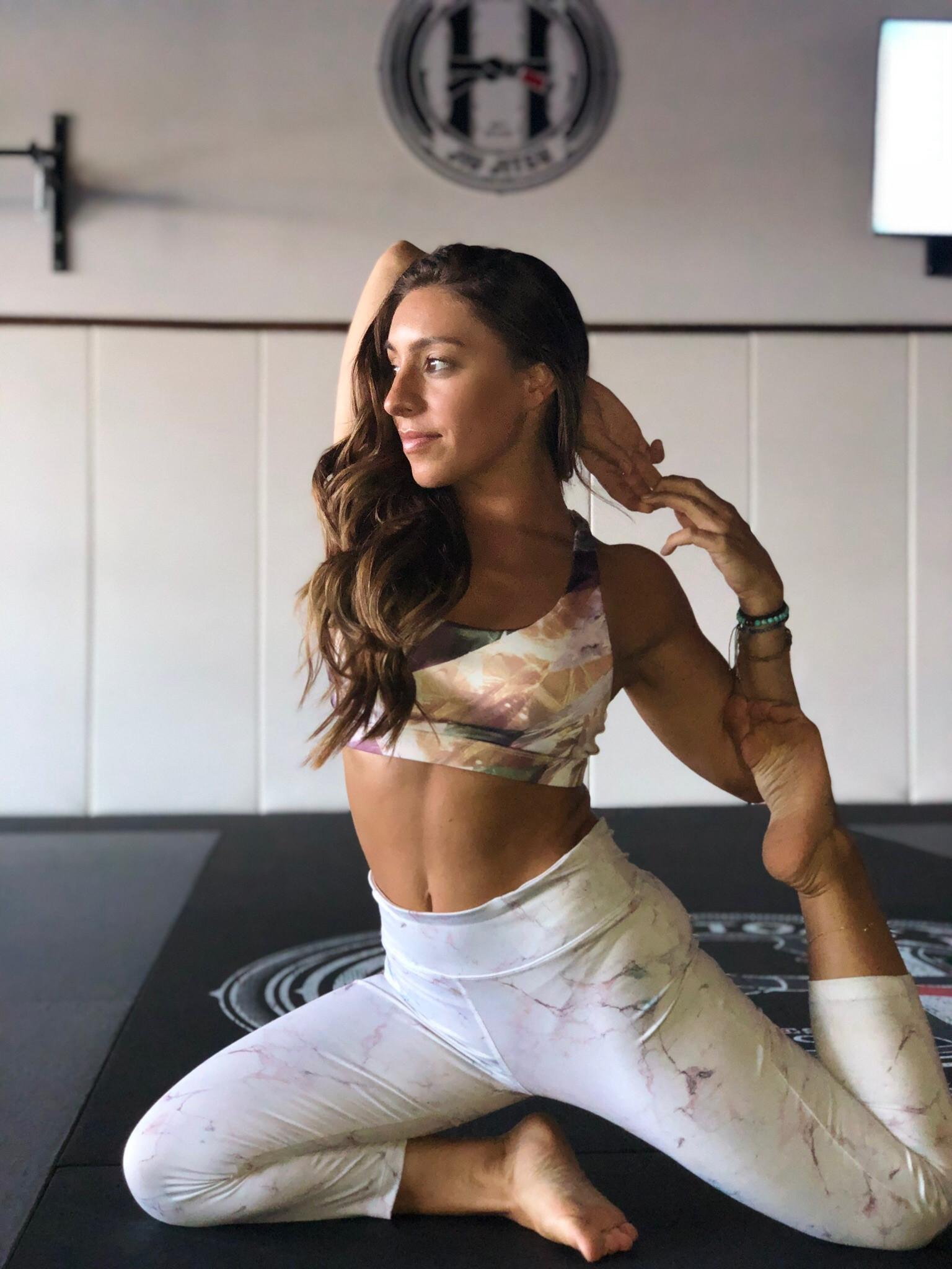 Melita Yoga 1:1 Online