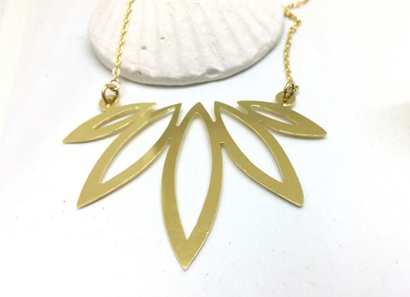 Short Lotus Necklace