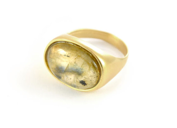 Oval gold Ring With Labradorite