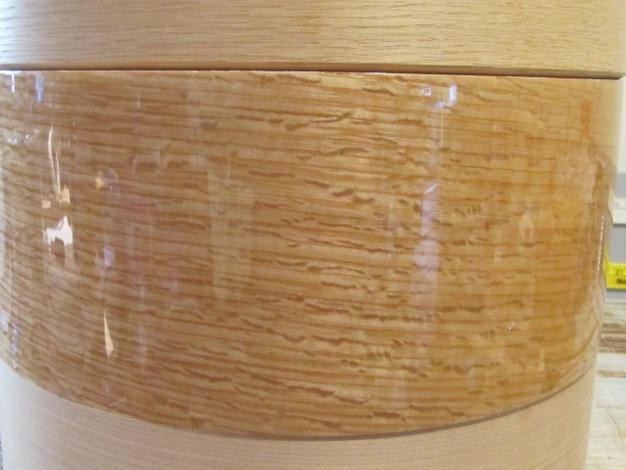 Flecked Oak shell with high gloss finish