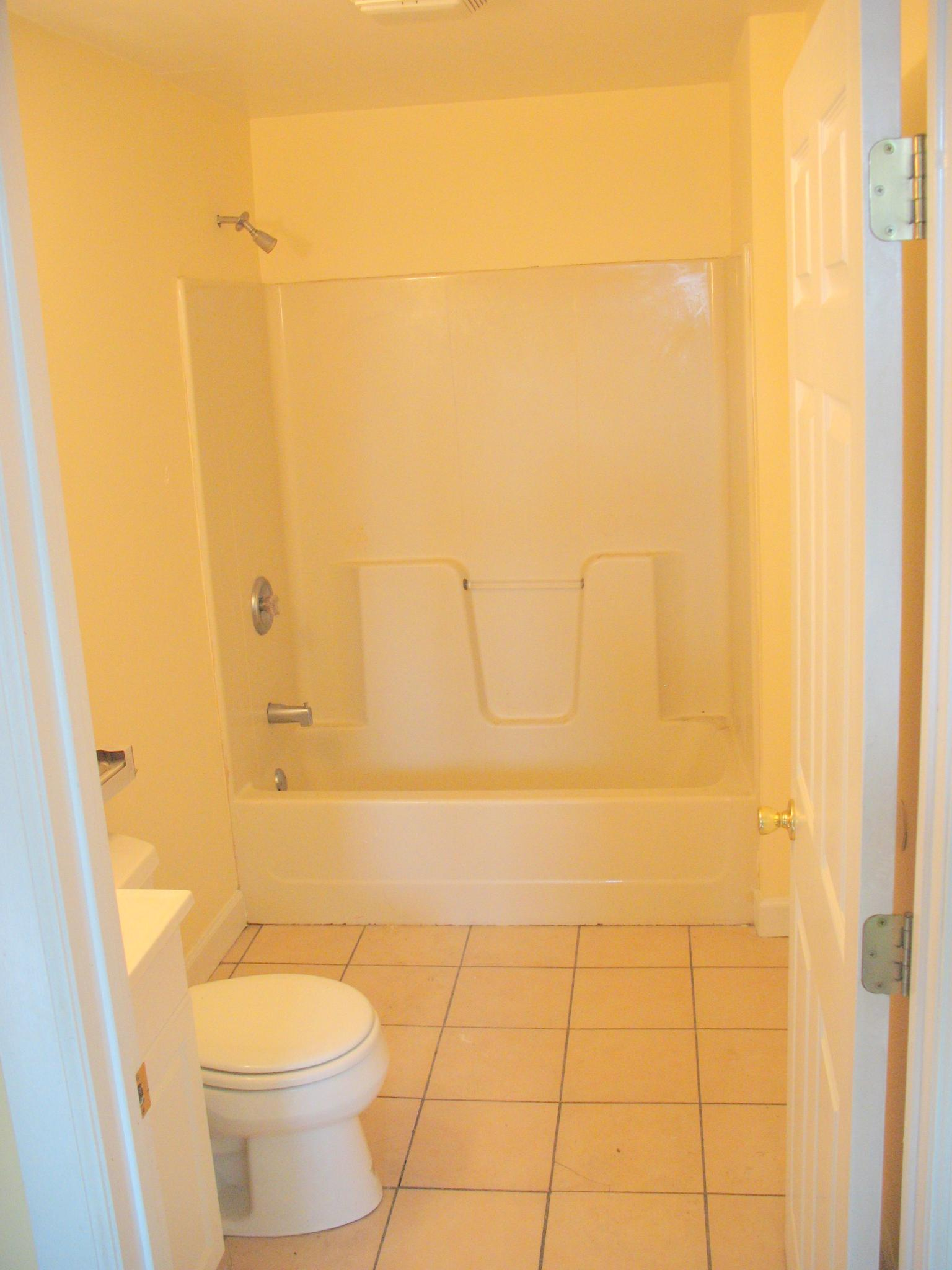 48 a Mary Street bathroom