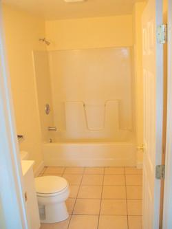 48 a Mary Street bathroom