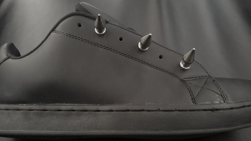 Add spikes to any shoes