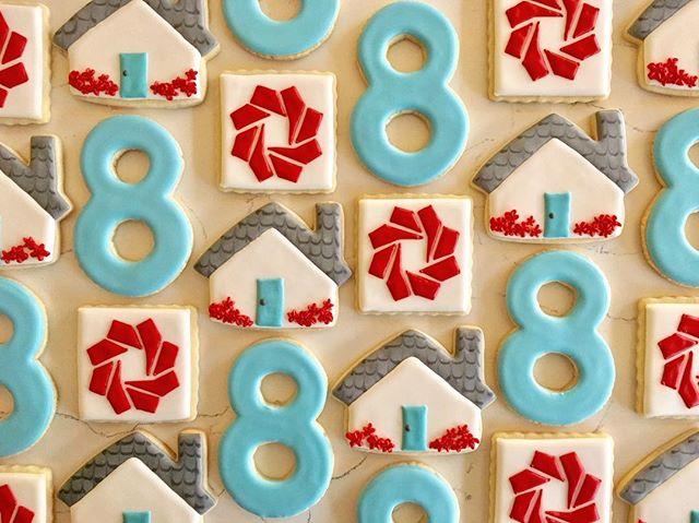 Happy 8th Anniversary to _livingroomrealty _#trophybaking #customcookies #icedcookies #pdxrealestate