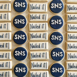 They are nailing it at Slinde Nelson Stanford #trophybaking #cumstomcookies #icedcookies #logocookie