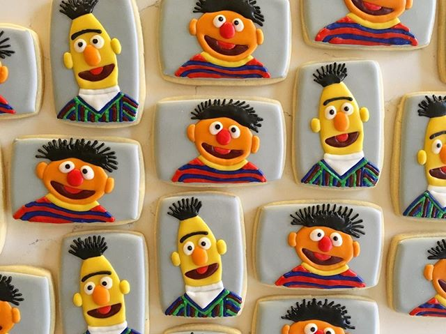_Rubber duckie, you're the one_ 🎶🎶🎶 #trophybaking #customcookies #icedcookies #happybirthdayerryn