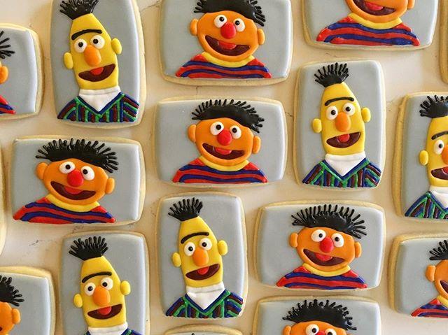 _Rubber duckie, you're the one_ 🎶🎶🎶 #trophybaking #customcookies #icedcookies #happybirthdayerryn