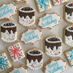 Cake and presents 🎉 #trophybaking #icedcookies #customcookies #birthdaycookies #portland