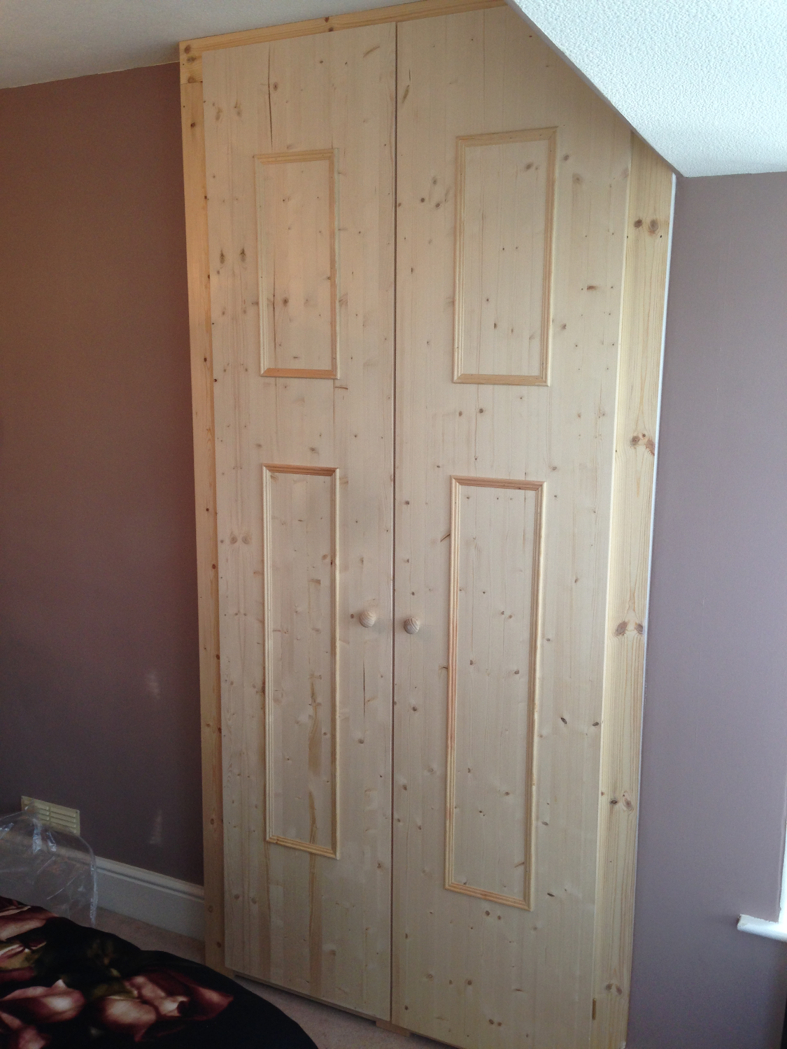 White Cheshire Pine 2 Door Wardrobe