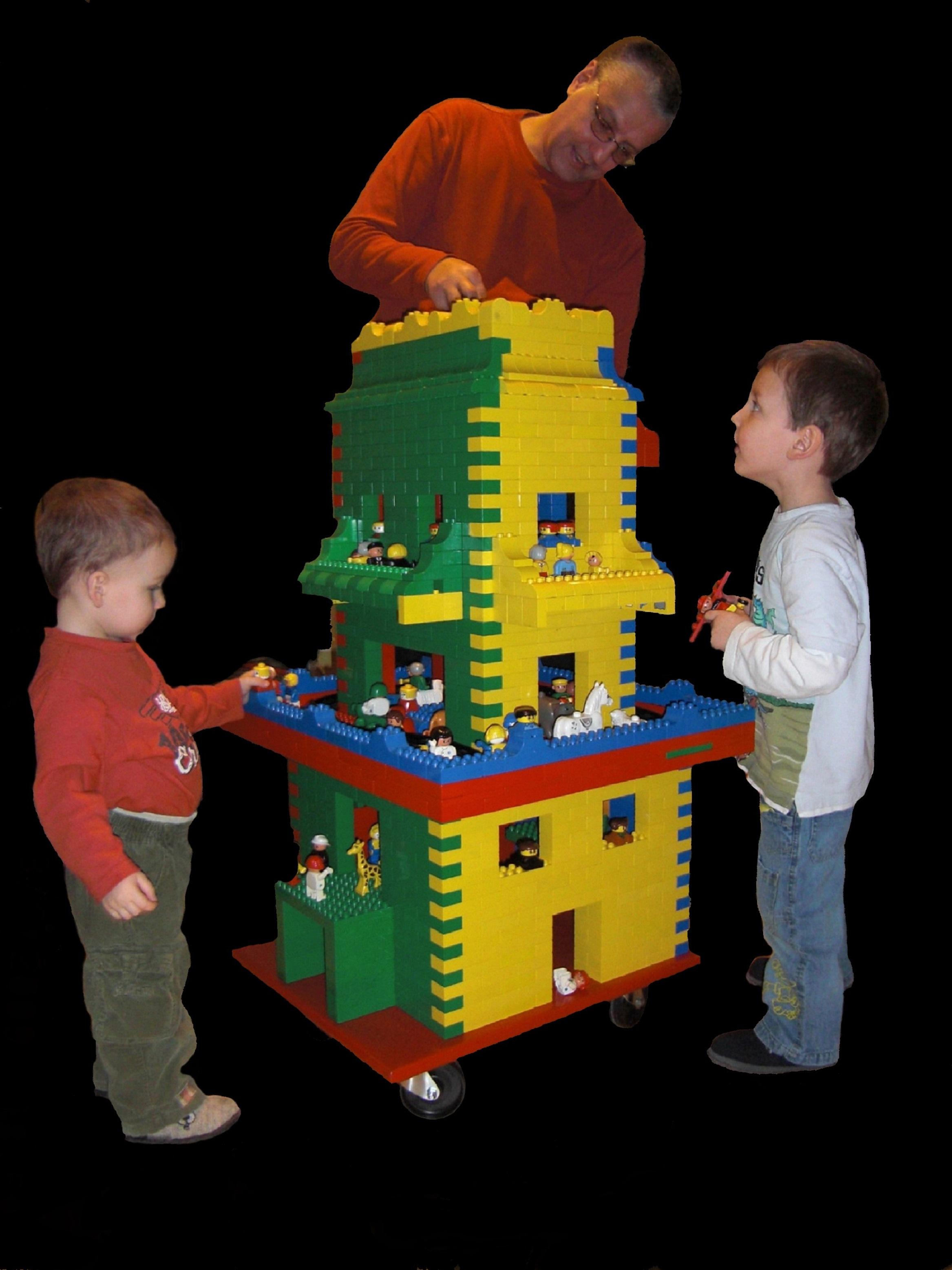 André Hüller baut ein Lego Haus mit Söhnen Andy und Chris