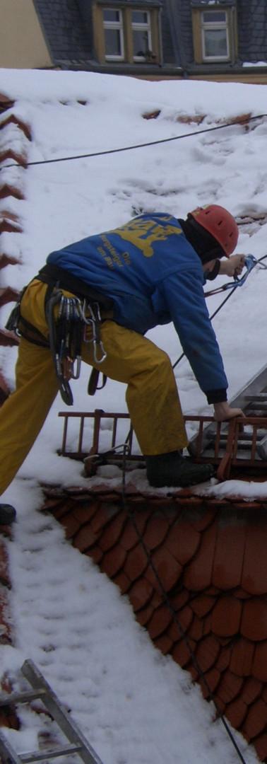Dacharbeiten ohne Gerüst durch die DiBaB