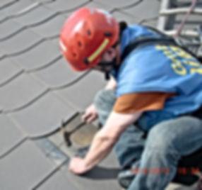 Dachreparatur durch DiBaB GmbH die Bergsteiger am Bau