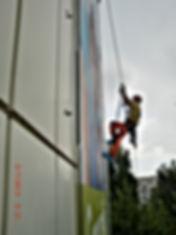 Hoehenarbeiter der DiBaB GmH die Bergsteiger am Bau
