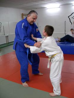 André Hüller trainiert Judo mit Sohn Andy