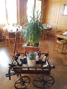 Leiterwägeli mit Wein