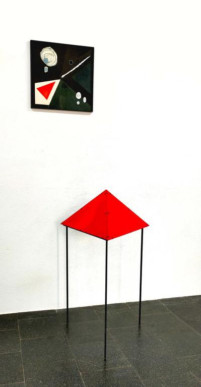 Komposition mit rotem Dreieck - 40x40 plus 60x60x60x110 - ink on wood, steel 3.jpg