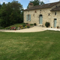 Exterior of our luxurious eighteenth century farmhouse located 25 minutes from Bergerac airport