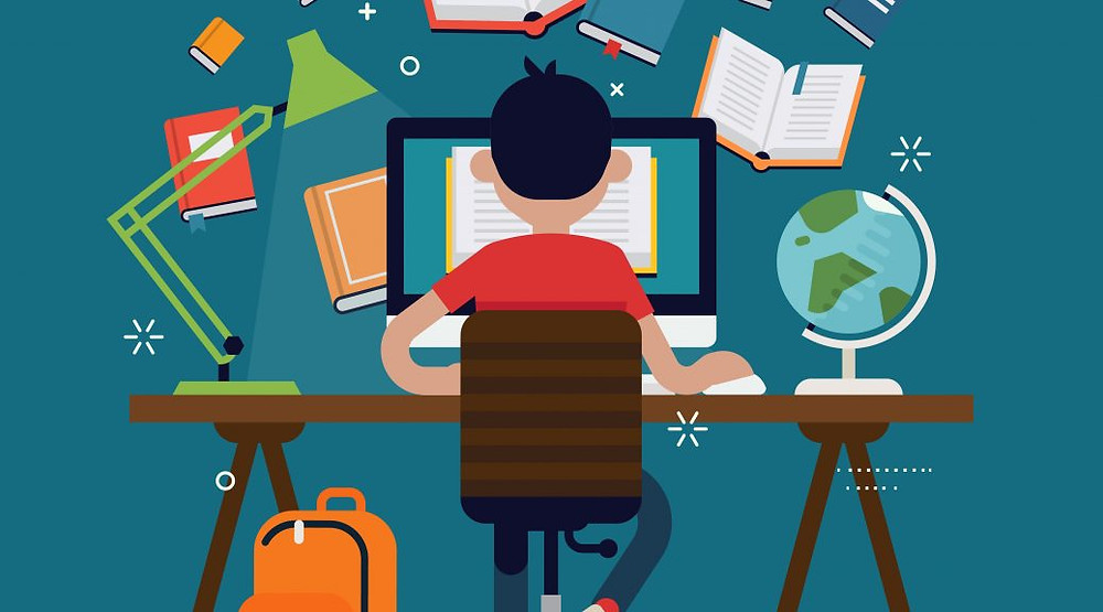 Homem estudando em seu computador