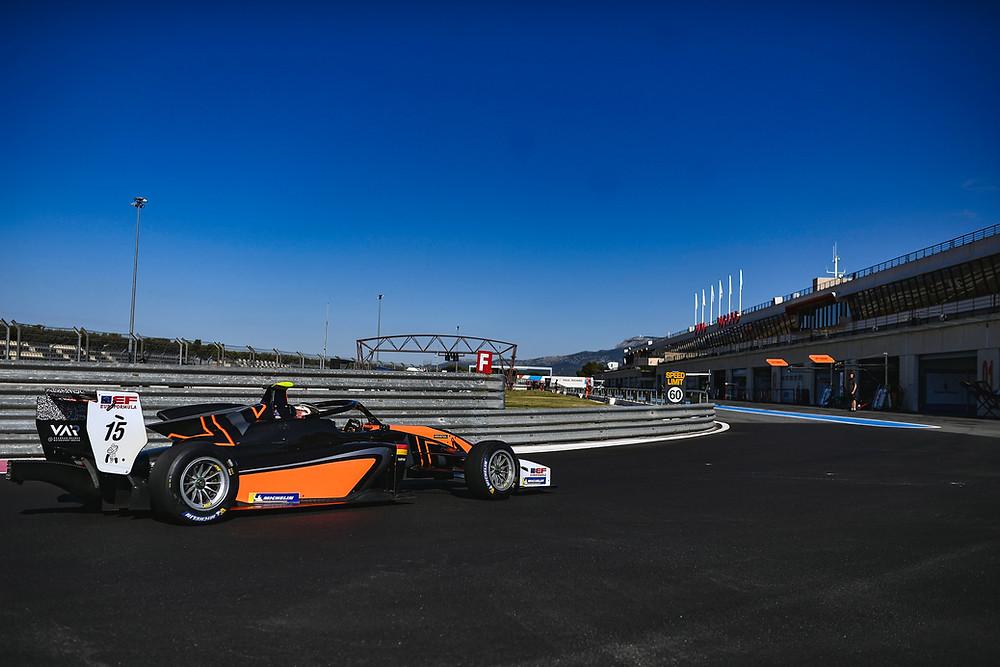Sebastian Estner auf dem Weg in die Box auf dem Circuit Paul Ricard.© Van Amersfoort Racing