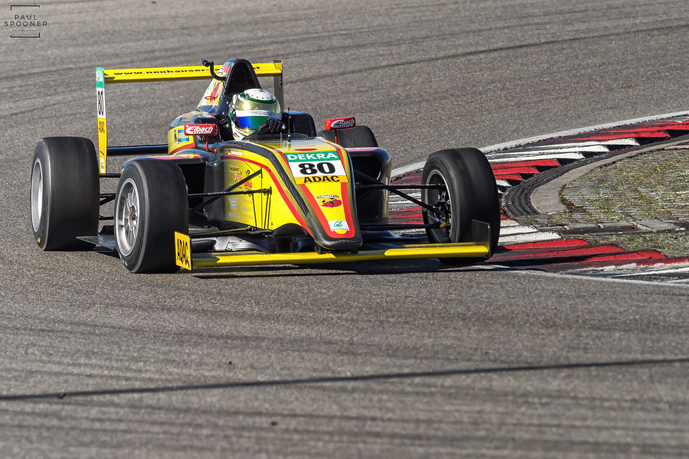 Bei den Formel 4-Testfahrten am Nürburgring hat Andreas Estner für sein neues Team Neuhauser Racing vielversprechende Rundenzeiten gefahren.© Paul Spooner (KN)