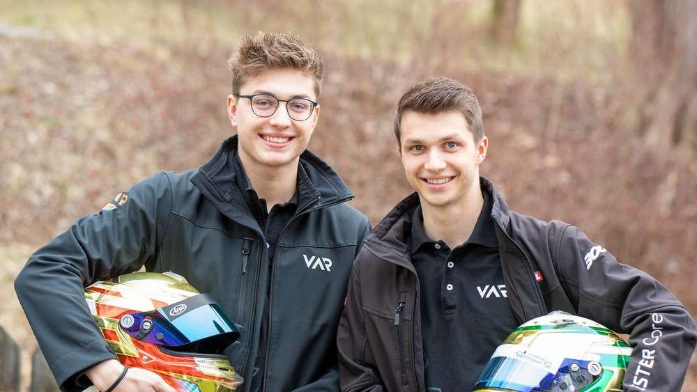 Wollen wieder ganz vorne mitfahren: Sebastian (l.) und Andreas Estner aus Wall starten 2020 im Euroformula Open. Beide haben sich einen Platz im niederländischen Top-Team Van Amersfoort Racing gesichert.© Thomas Plettenberg