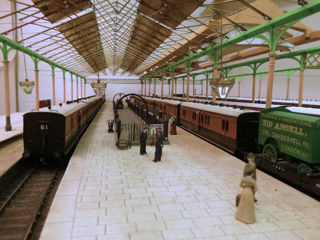 Platform 6 and 7