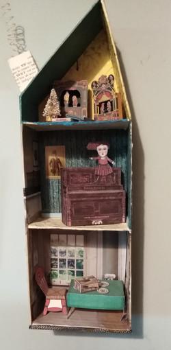 "tiny 14"" paper house"