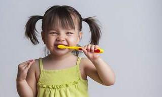 למה התחילו לצחצח שיניים?