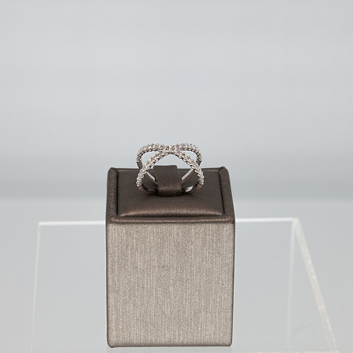 Dynamic Diamond Short X Ring in White Gold