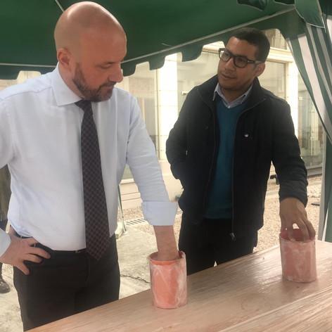 Representantes de la ONU donaron la impronta de su puño