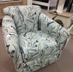 36 Swivel Glide Chair