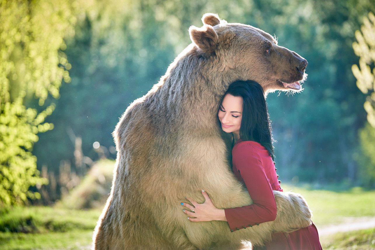 Обнимашки с медведем