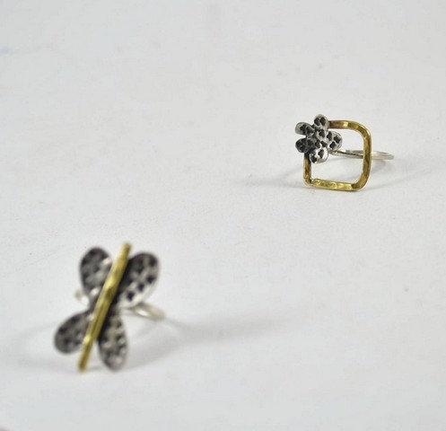 """Δακτυλίδι """"λουλούδι"""""""