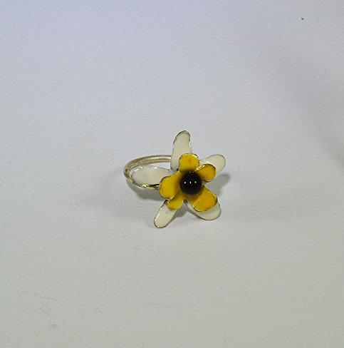 Ασημένιο κίτρινο λουλούδι