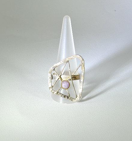 Ασημένιο σφυρήλατο δακτυλίδι με αμέθυστο