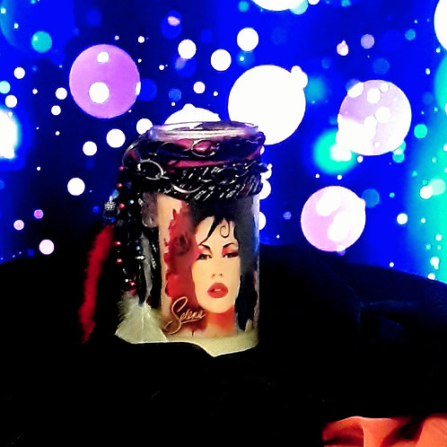 Painted Latin Queen, 14 day Selena Candle