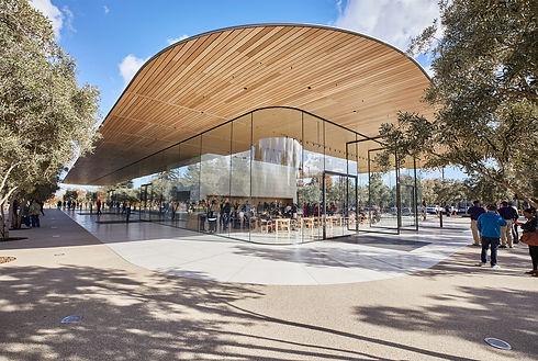 applepark_visitorcenter_opening_entrance