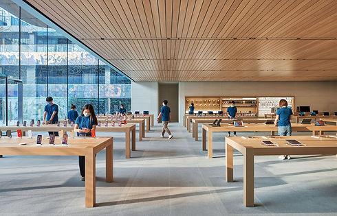 Apple_sanlitun-beijing-opening-wide-interior-with-team-members-07162020.jpg