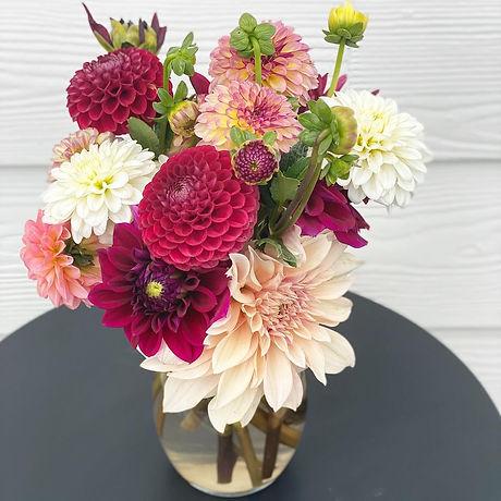 Dahlia bouquet3.jpg