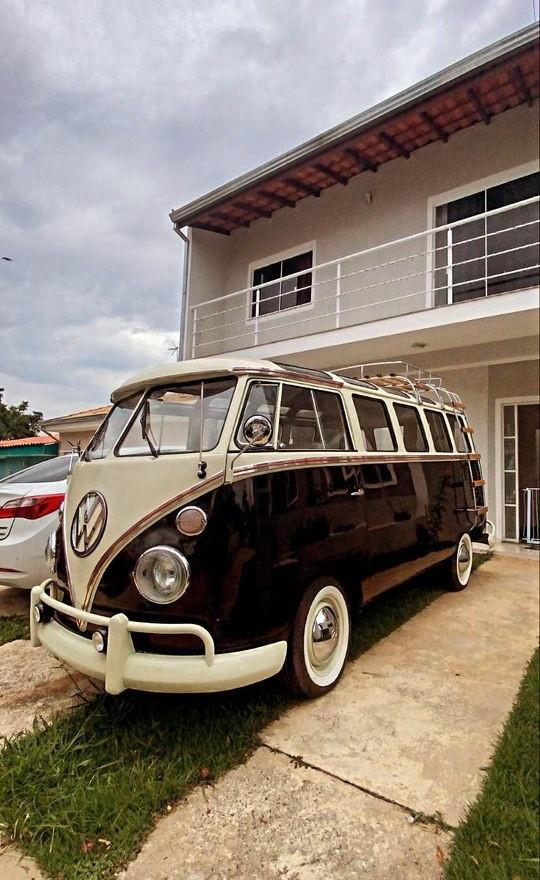 1971 Volkswagen 23 Window Van