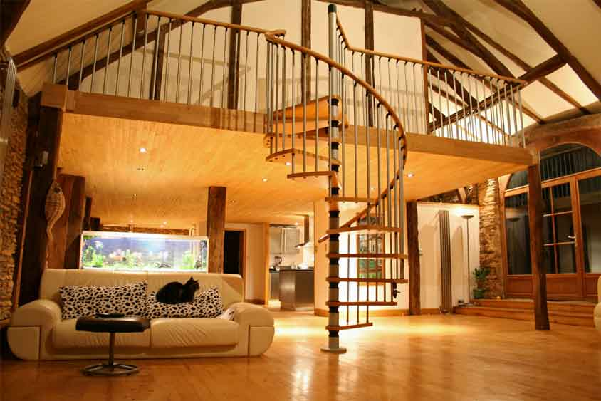 Custom staircase & timber flooring