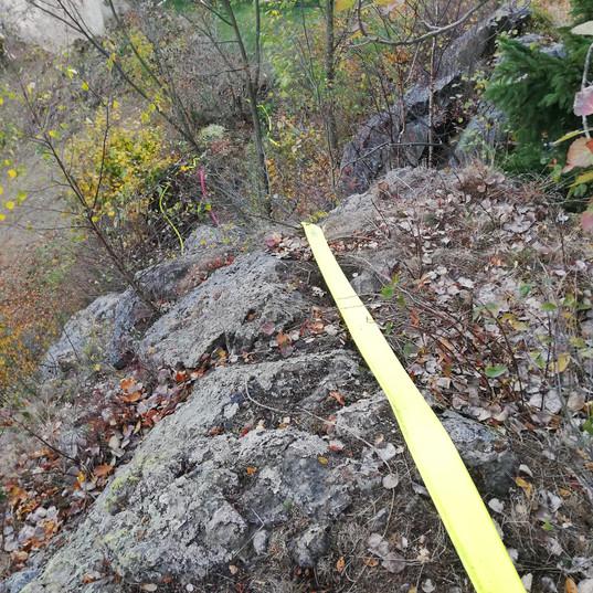 auch über Felsvorsprünge