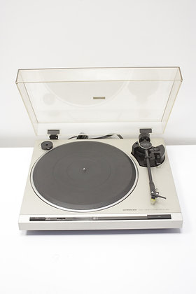 Pioneer PL-320 Turntable